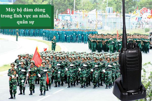 bộ đàm áp dụng trong quân đội