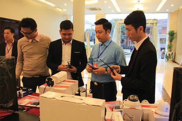 Hình ảnh giới thiệu máy bộ đàm Hypersia tại Đà nẵng